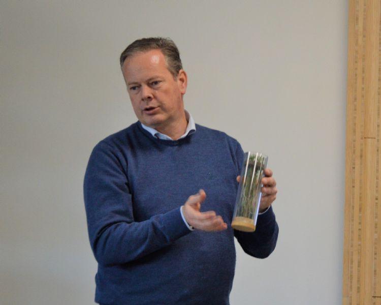 Jan-Willem Kraaijeveld: 'Méér bewerkingen en veel vaker gras bijzaaien bij bewerkingen.'