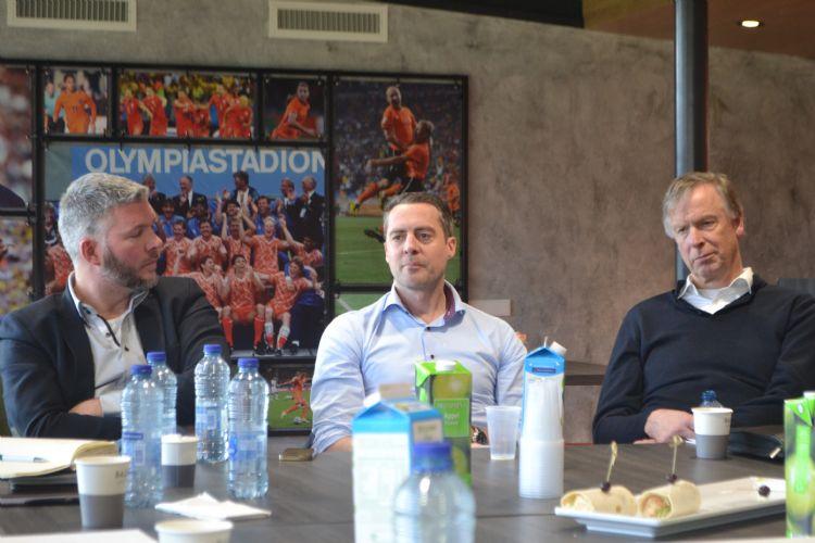 Sander Akkerman (Plann ingenieurs), Patrick Balemans (KNVB) en Wil Ditzel (Global Sports Surfaces Europe)