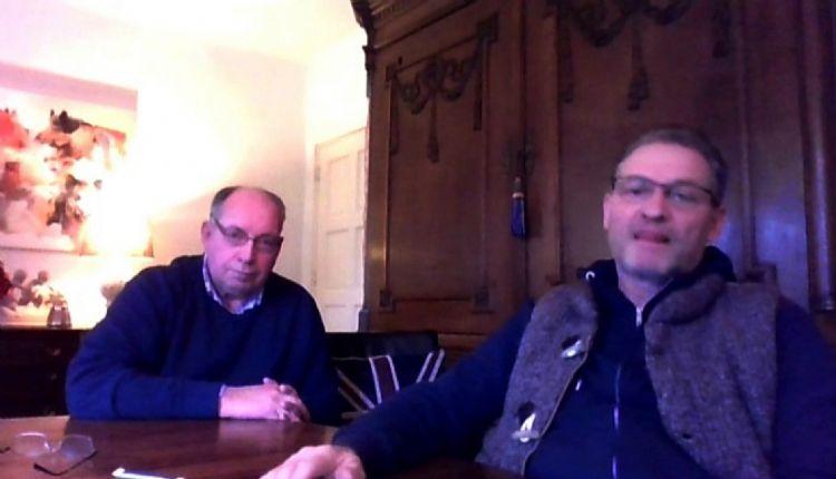 Gert Schouten (links) en Hans Plattel (rechts): 'Beuken zijn gevoelig voor droogte en zonnebrand, zoals Paleis Het Loo opgaf als oorzaak voor de slechte staat van de beuken. Waarom zou je dan beuken door beuken vervangen? Ons klimaat wordt almaar warmer e
