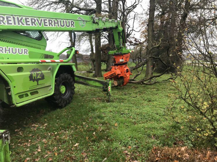 De Merlo Roto aan het werk bij boomverzorgingsbedrijf Marc Zwienenberg uit Markelo. Hier draait hij meer dan 1.000 uur per jaar.
