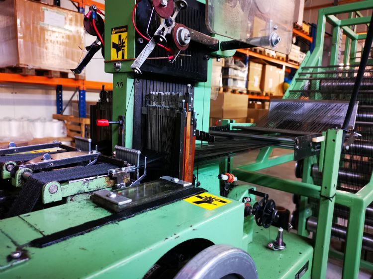 Een van de twee weefmachines bij Hakvoort Boomband